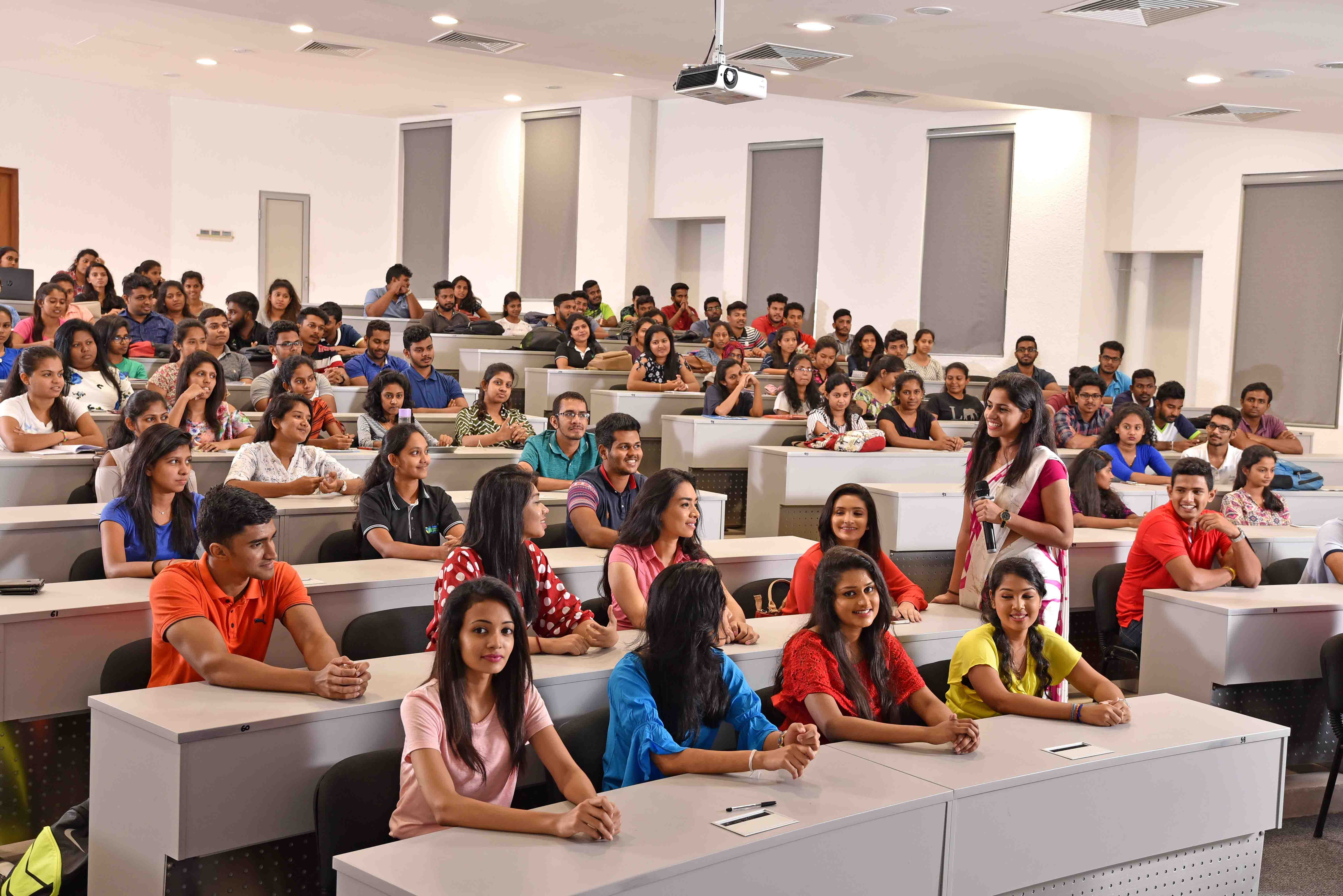 nsbm-facilities-lecturehall-3